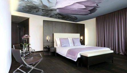 Сатиновый натяжной потолок с фотопечатью в спальню 10,5 кв.м