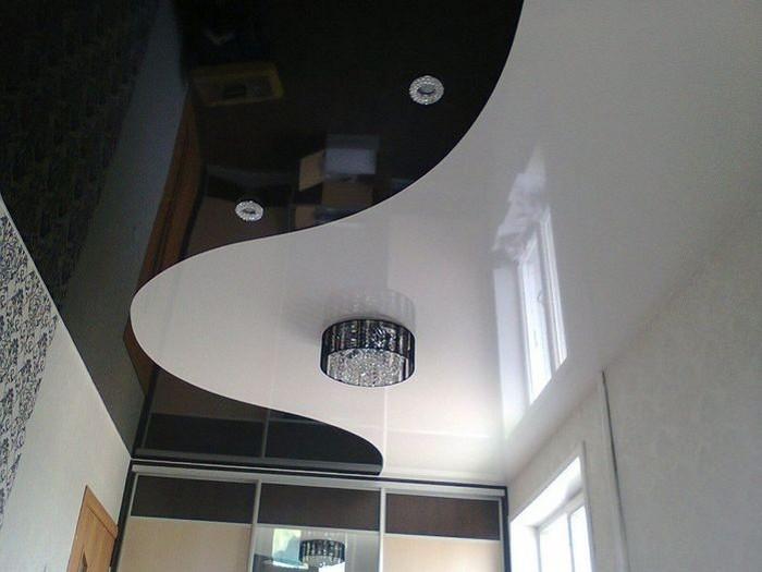 Натяжные потолки со спайкой